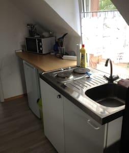 Zimmer mit zwei Einzelbetten  - Diez - Apartment