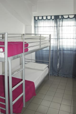 Twin room in the heart of Athens!