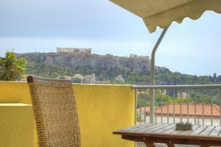 Studio for 3 with view in Athens