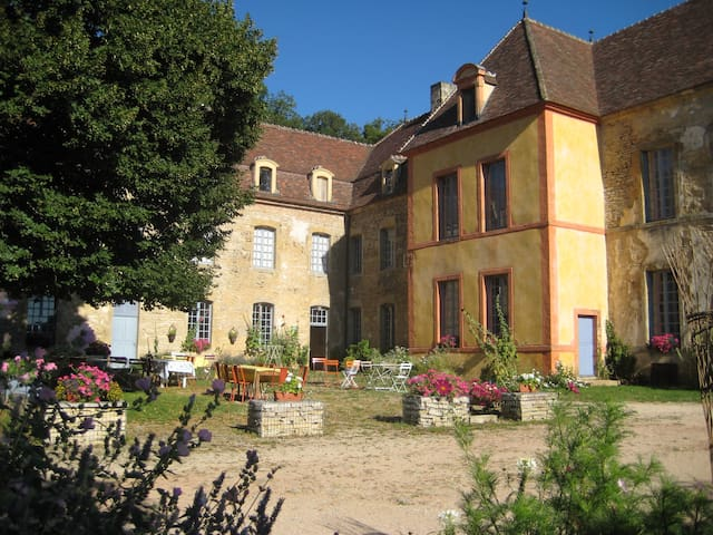 "Château Sainte Colombe / ""ELISABETH"" 3 pers. - Sainte-Colombe - Castelo"