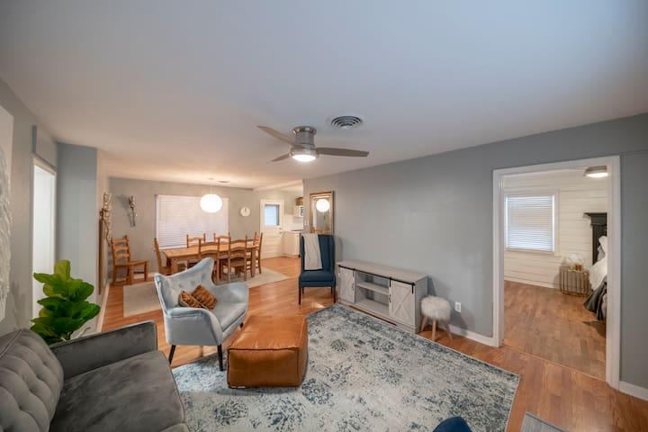 Cozy Quaint Comfy Cottage