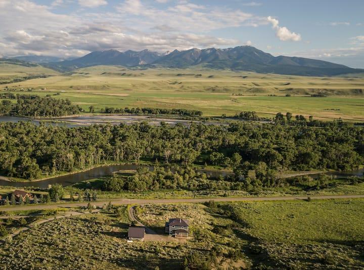 Modern Farmhouse on the Yellowstone