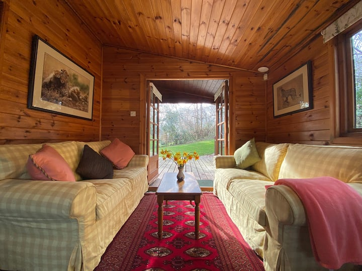 The Cabin at The Oaks