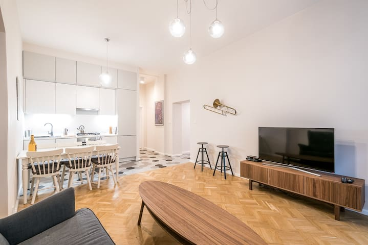 Apartment with 3 double bedrooms in City Center!