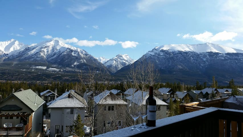 Views of the Canadian Rockies from all windows ! - Canmore - House