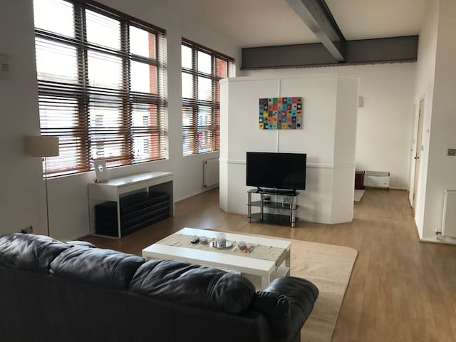 Luxury Modern Loft Style Apartment - Birmingham - Apartamento