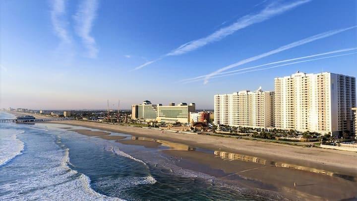 3Bd-Beachfront Resort w/Lazy River, Pools, M-Golf!