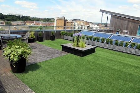Spectacular Penthouse with large Roof Garden - Colchester