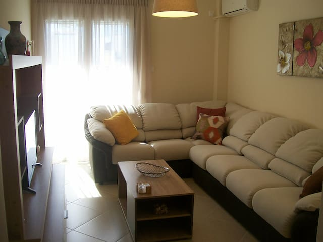 COMFORTABLE APARTMENT NEAR ATHENS AIRPORT