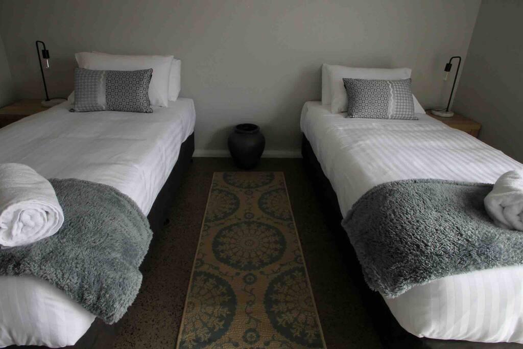 Bed 2 King Bed (splits)