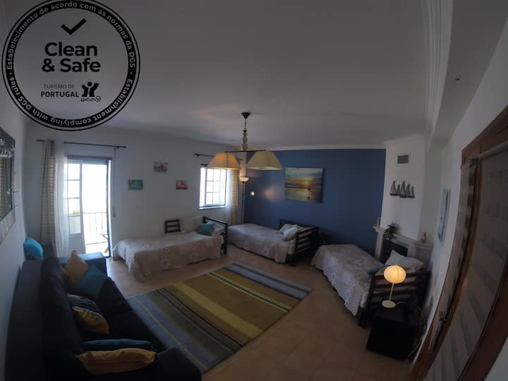 Private room for 4 friends or family, surflessons