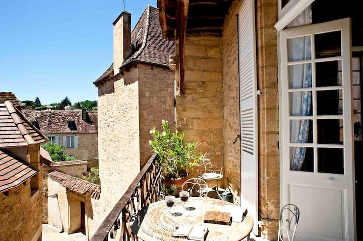 Sarlat Center, La Salamandre, Suites Sarladaises