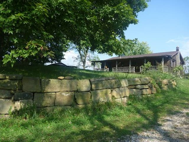 The Cabin at Solid Ground Farm - Millfield - House