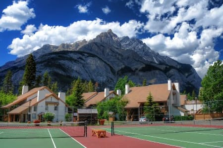 BRMR 2 Bed/6 July 16-23 peak week - Banff
