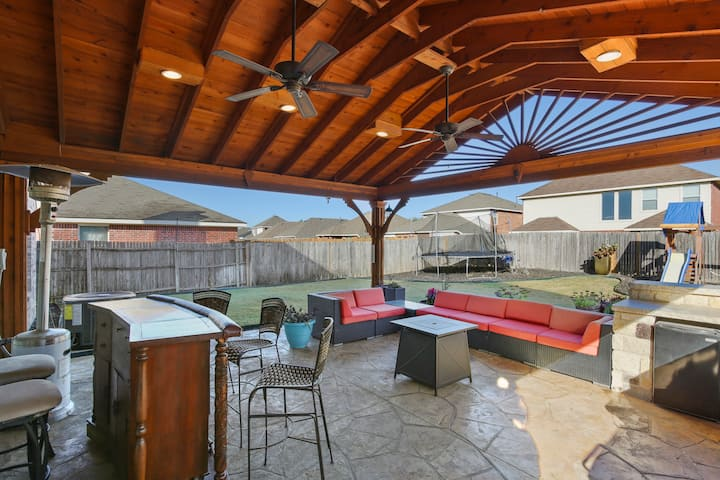 Great location for a DFW stay!  Near AT&T stadium