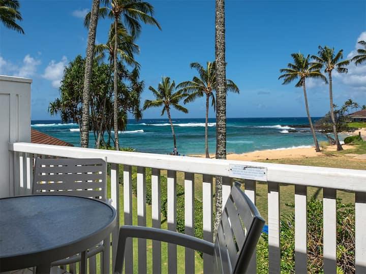 2-Level Ocean's Edge Bliss! Spacious, 2 Lanais, WiFi, modern Kitchen, Flat Screens–Kiahuna 2189
