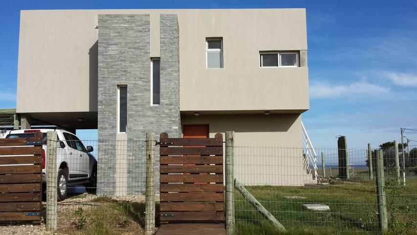 Casa moderna con vista al mar en Punta Negra - Punta Negra - House