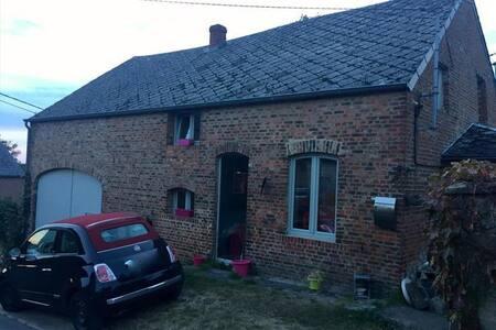 La petite maison rock and roll - Houyet - House