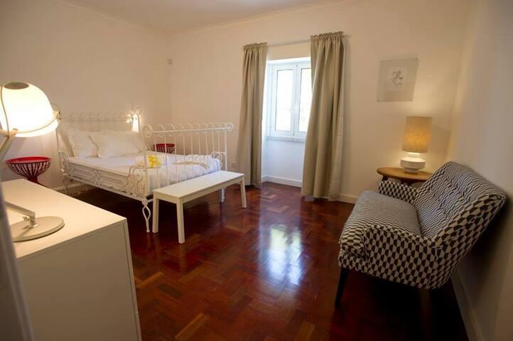 Casa da Água Double Room nº3 - Rio de Mouro - Bed & Breakfast