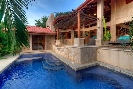 Casa Caracoles | Beach meets chic