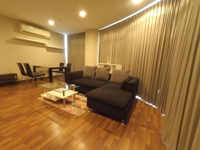 Panoramic view big living room@Le Luk Sukhumvit Rd
