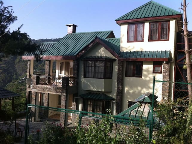 The Forest Cottage Naldehra - Shimla - Bed & Breakfast