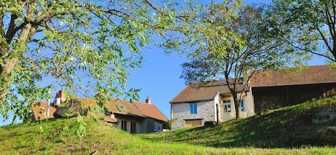 Maison de charme dans un village enchanteur