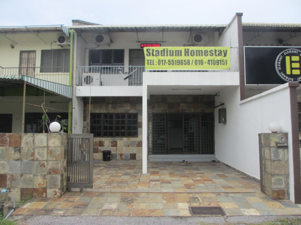 Clean, comfortable and reasonably priced homestay. We are right in the city!