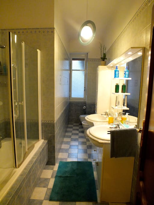 Bagno con vasca / doccia