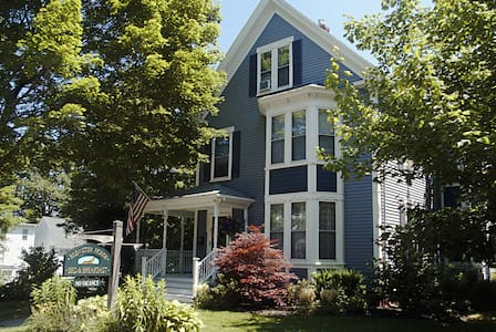 Elegant Queen Anne Victorian B & B  - Freeport - Penzion (B&B)