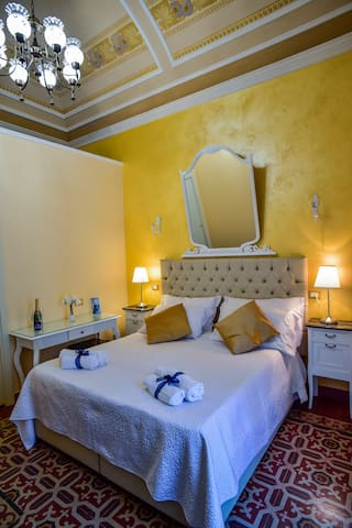 Elegant Double room - Palazzo degli Affreschi
