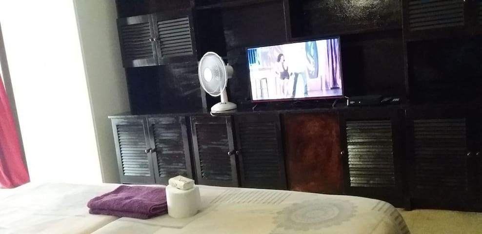 Beautiful Hatfield Room With Personal DSTV + WIFI