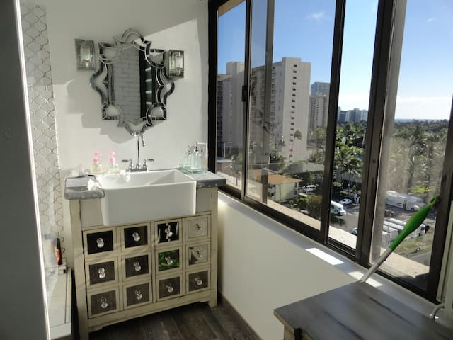 #Private Studio - Waikiki Dream