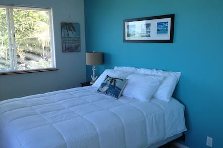 Honu Reef, 1 Bdrm W/Ocean Views - Kealakekua