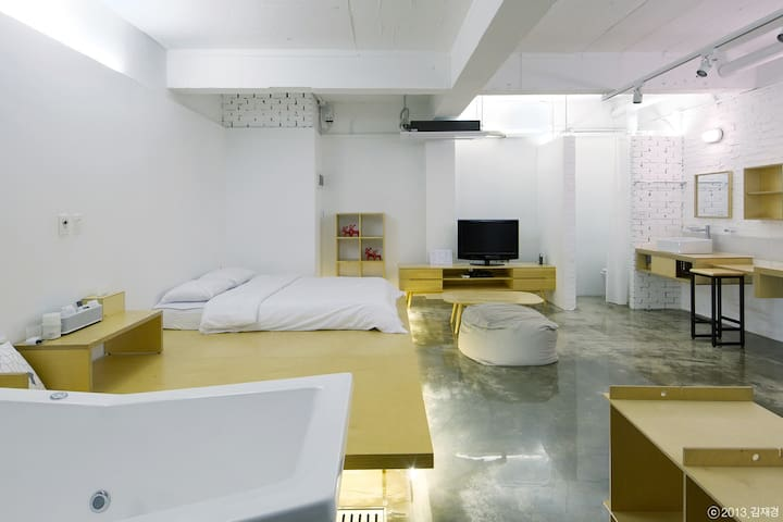 ZEROPLACE +01 ROOM - Seosan-si - Bed & Breakfast