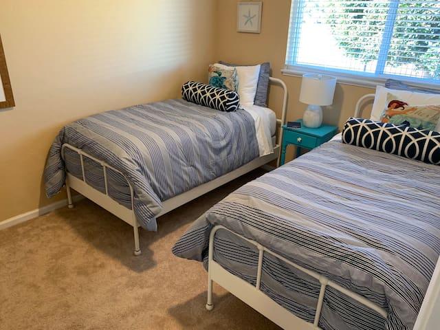 Marina Coastal Inviting Home-2 twin beds Bedroom-C