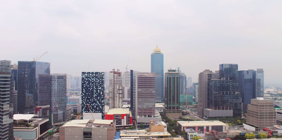 Convenient 1BR with View @ 5th Ave BGC (#1)