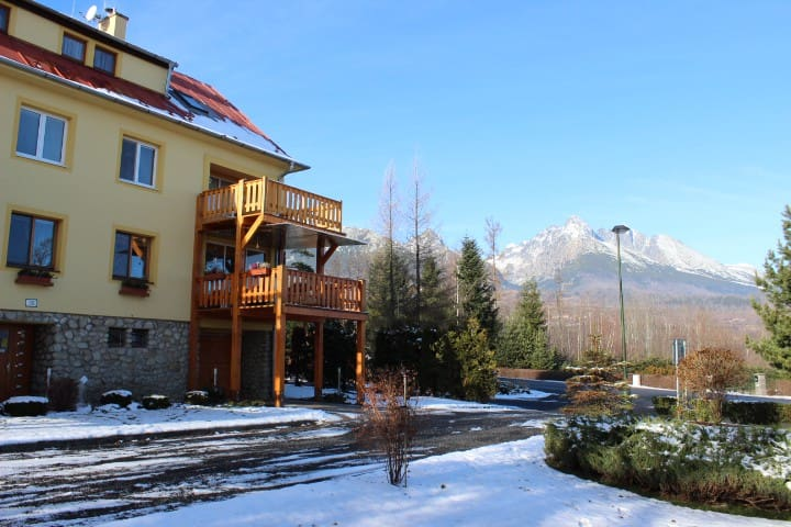 Comfortable apartment close to public transport - Vysoké Tatry - Lägenhet