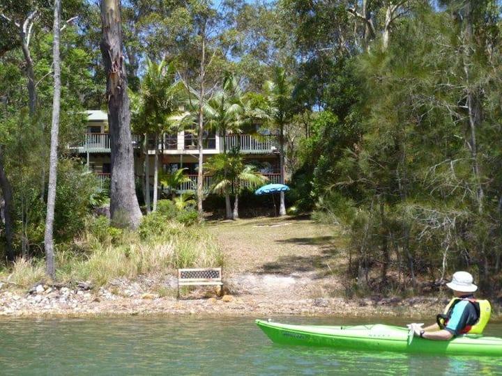 Aero Smiths Lake  absolute waterfront  free wi-fi