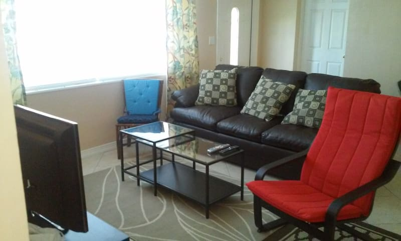 1.5 miles to Beach 3BR/2B HOUSE - Fort Lauderdale - Dom