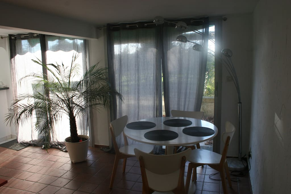Appartement dans mas apartments for rent in salon de provence provence alpes c te d 39 azur france - Don du sang salon de provence ...