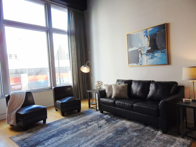 2 bd Loft Style Condo in ❤ of downtown Denver