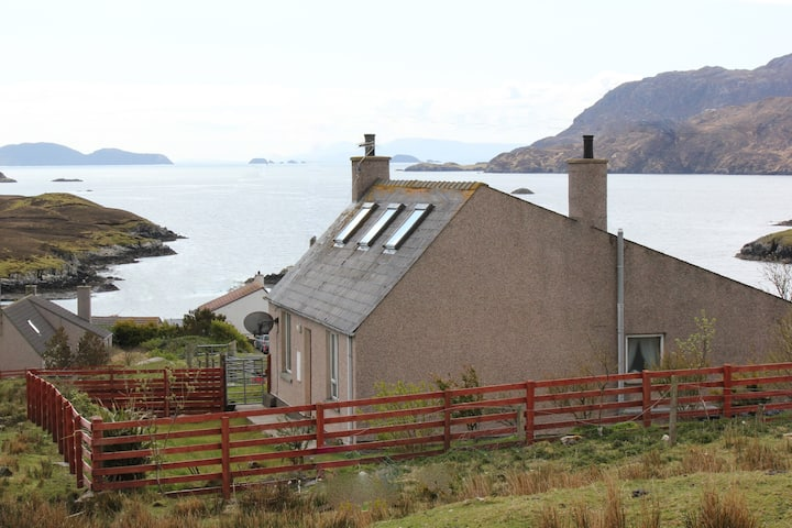 Shiantview Cottage with Sea Views