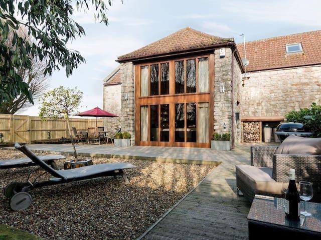 Luxury Barn with log burner - Saltford - House