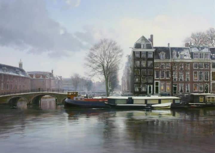 Luxurious houseboat on Amstel River