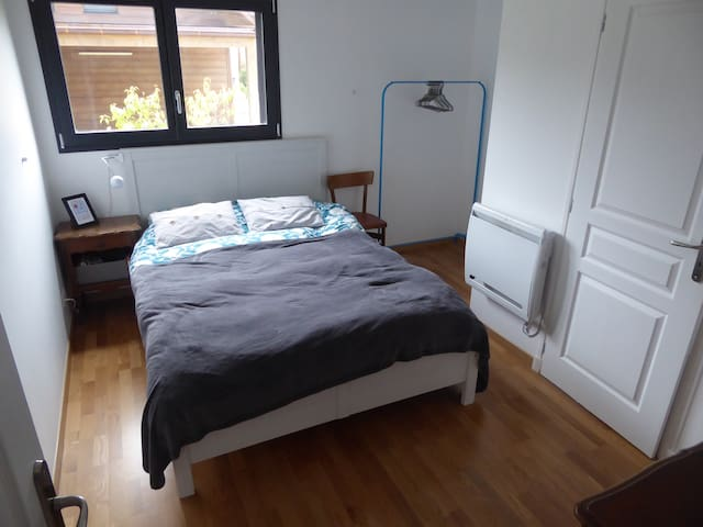 Double room, 2 mins to Geneva - Gaillard - House