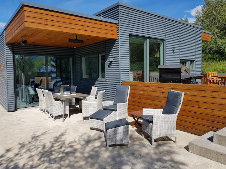 Lundsskógur Luxury Villa East of Akureyri