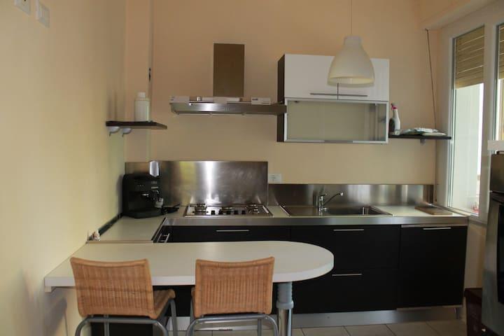elegante, comodo e luminoso app.to Wi-fi 4 camere - Viareggio - Apartment