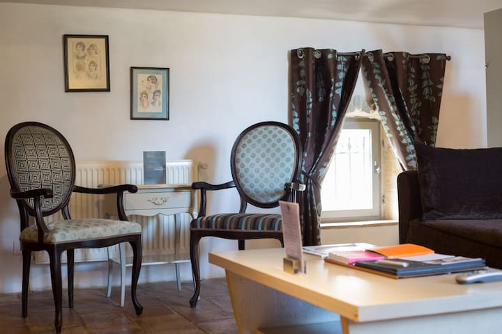Suite romantique de 2 à 4 personnes - Collias - Hotel boutique