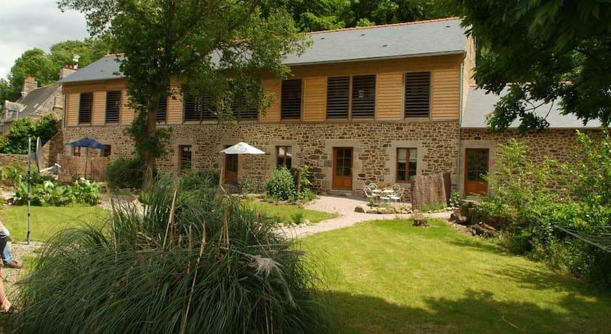 1ER GITE DE LA TANNERIE DU PORT - Lanvallay - Rumah